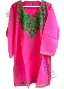 Розовая туника с зеленой вышивкой (Москва)